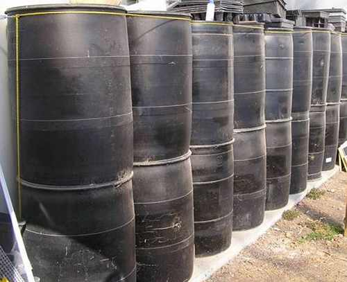 barrels for greenhouse heat sink